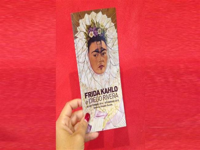 Frida Kahlo; http://www.oasihotel.eu/frida-kahlo-and-diego-rivera-in-genoa-2/